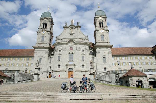 Magnifique journée pour passer par l'abbaye d'Einsiedeln