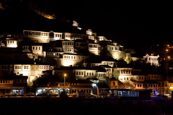 Centre historique de Berat, de nuit mais sans étoile…