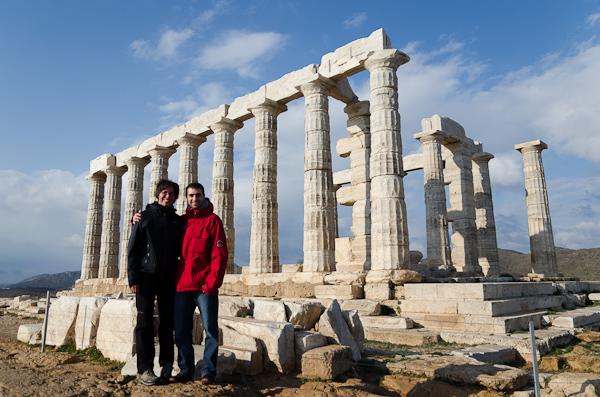 Avec Arnaud, au temple de Poséidon, à l'extrémité du Cap Sounion