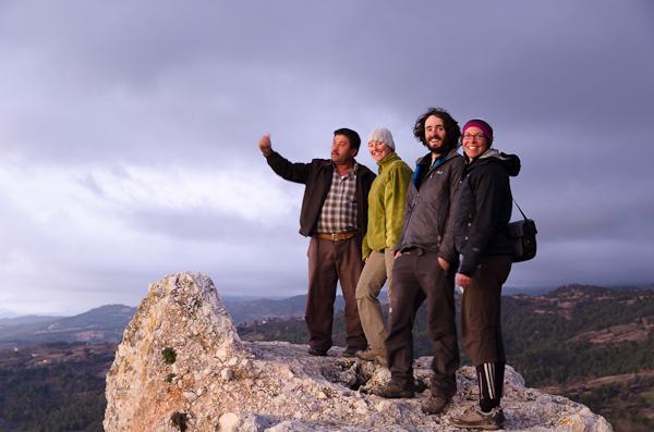 Au sommet de l'acropole de Tlos avec Halil, guide improvisé pour cyclos de passage