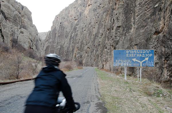 Entre russe et arménien, pas toujours évident de s'en sortir…