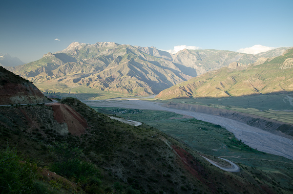 Encore quelques virolets avant de rejoindre la vallée de la Pyanj, frontière naturelle entre le Tadjikistan et l'Afghanistan