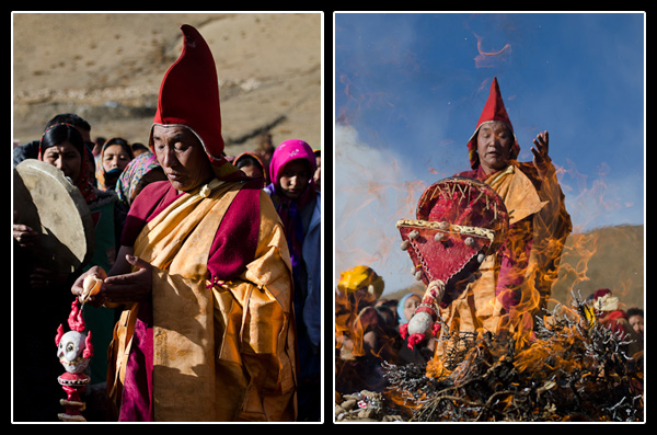 Après une dernière bénédiction, les mauvais esprits, piégés dans la statue, sont jetés au feu