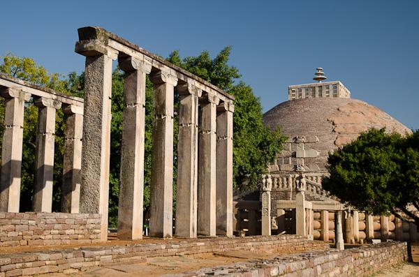 Ruine d'un temple du VIIème à proximité du grand stupa